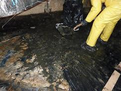 under-house-sewage-cleanup